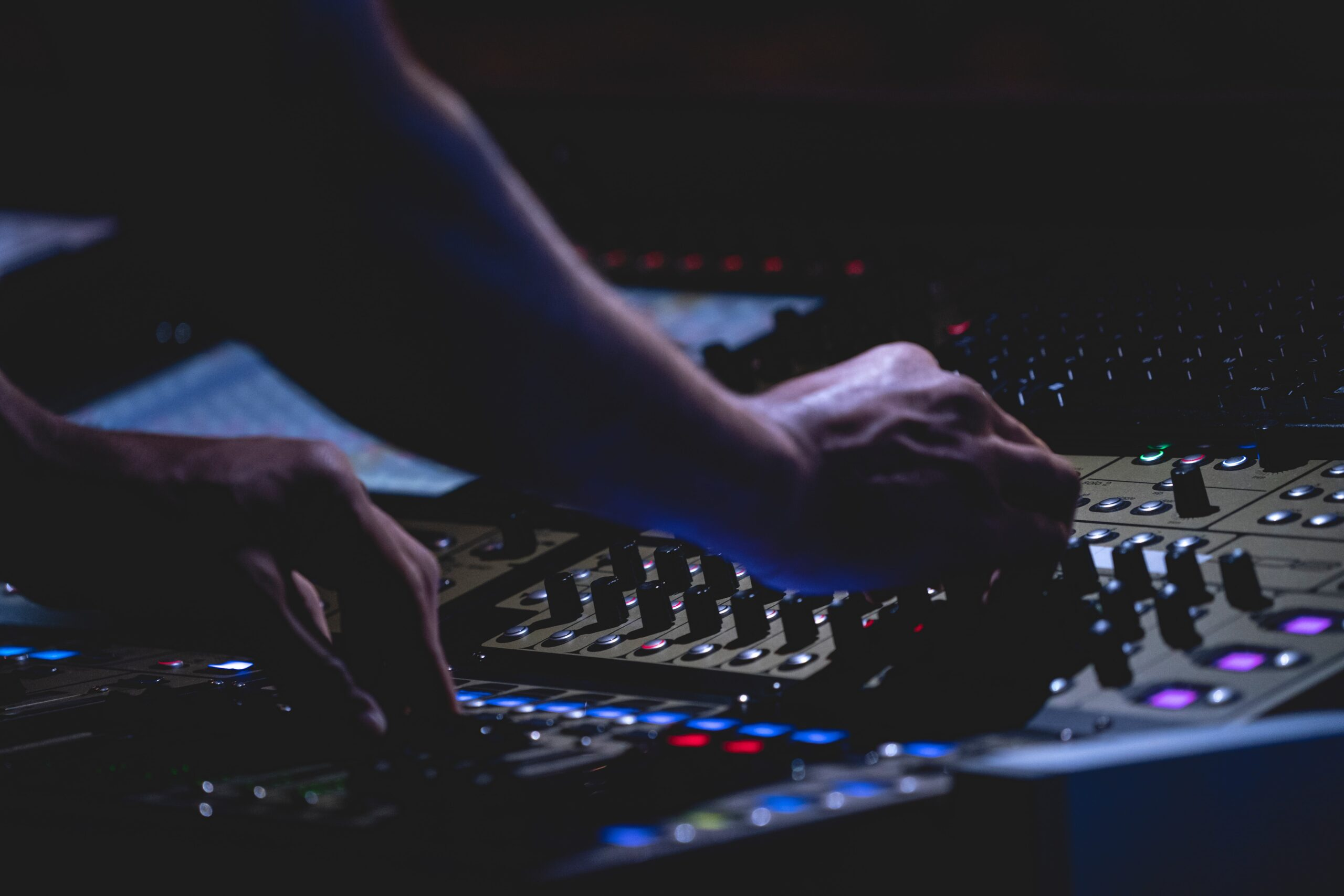 what do you need to become an audio engineer qualifications